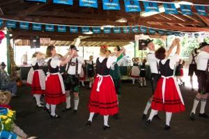 Oktoberfest_dance