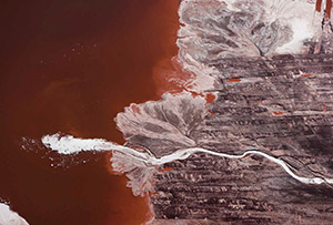 J Henry Fair       Plume of foam in bauxite waste from aluminum refinery       Darrow, Louisiana