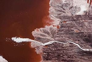 J Henry Fair       Plume of foam in bauxite waste from aluminum refinery       Darrow, Louisiana