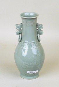 1465255-chinese-longquan-celadon-vase