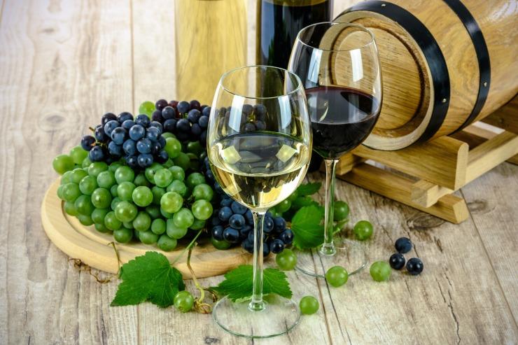 wines-1761613_1920 (1)